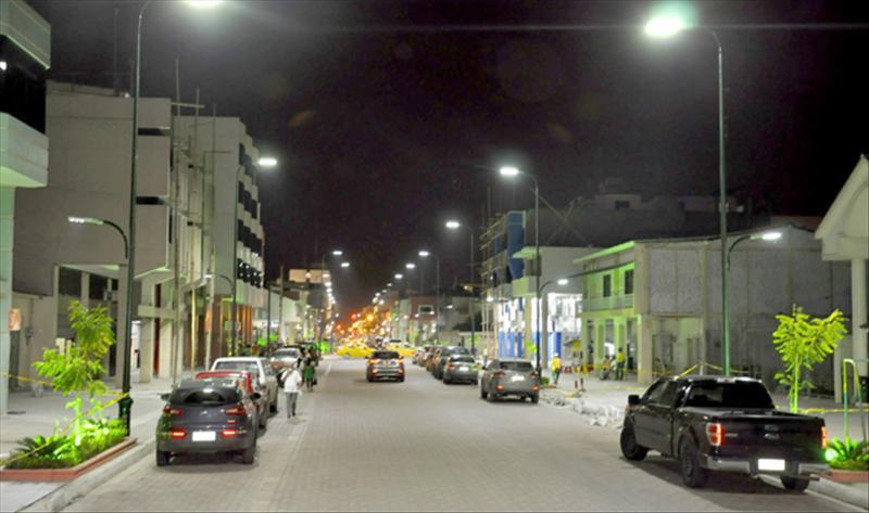 Alcalde Falquez inaugura regeneración de calle 9 de Mayo