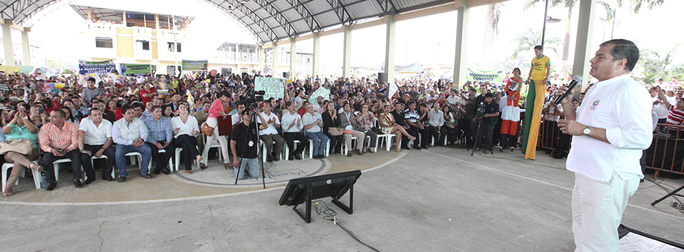 Presidente Rafael Correa constató los trabajos de reconstrucción de la vía Santa Rosa – Bellavista – La Avanzada.
